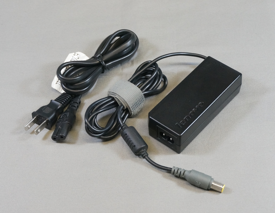 ThinkPad用ACアダプタ 65W 20V 丸型グレイ 中古